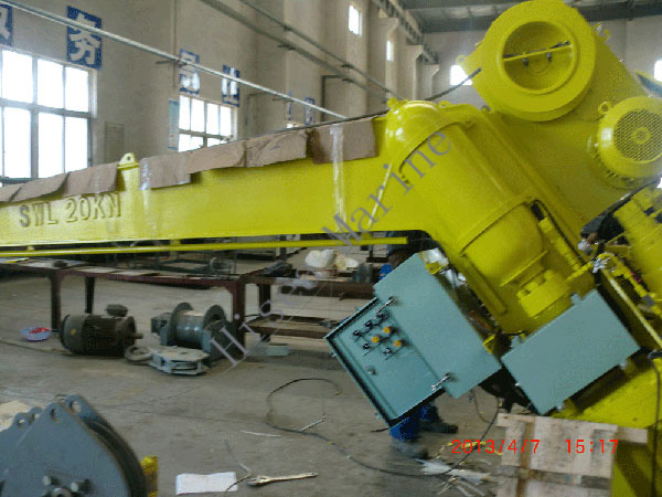 20KN-Electric-Fast-Rescue-Boat-Davit-Painting.jpg